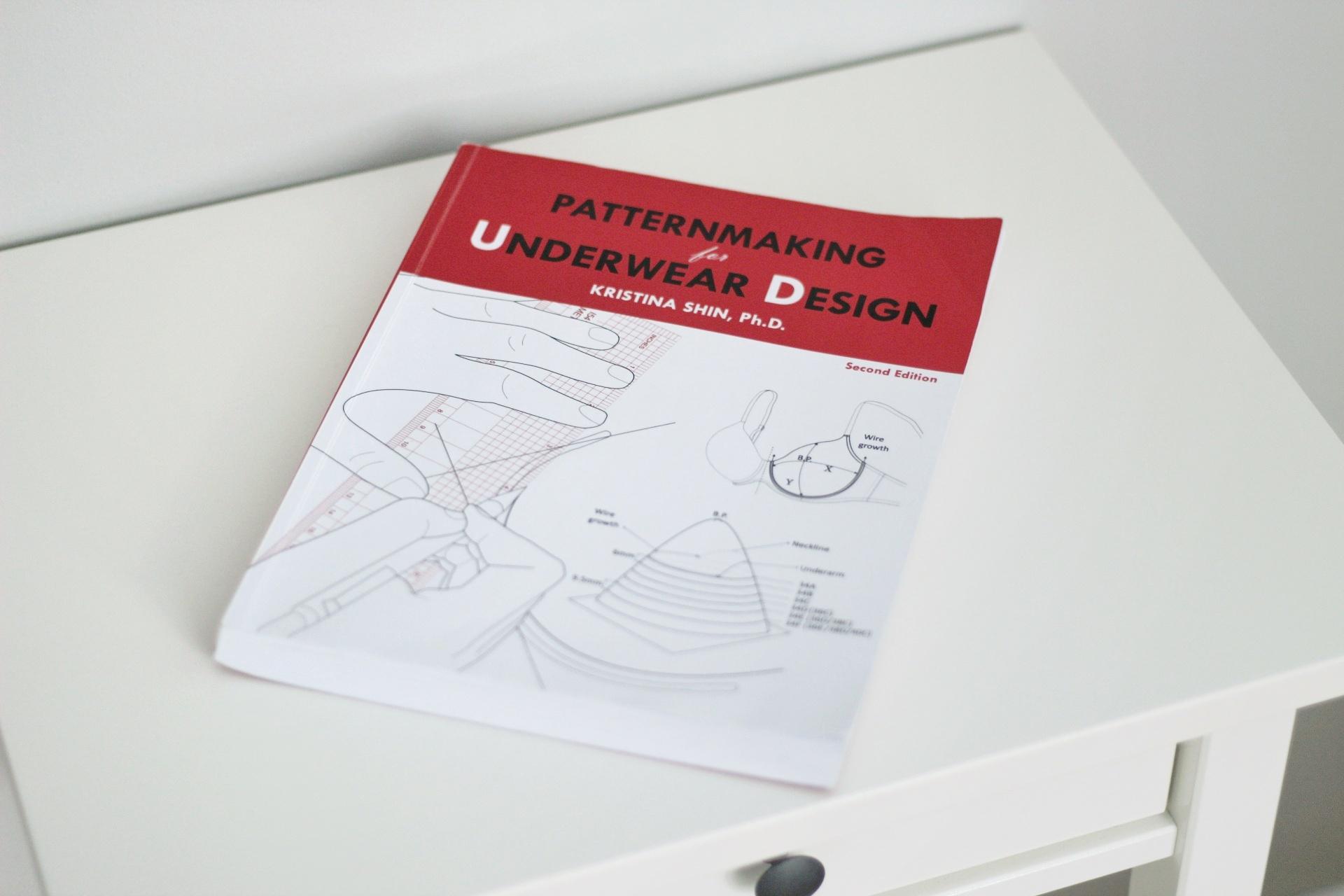 RECENZJA KSIĄŻKI PATTERNMAKING FOR UNDERWEAR DESIGN
